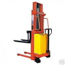 2000kg Semi Electric Forklift Stacker 2m Lift Height, Standard Forks SE2T2M